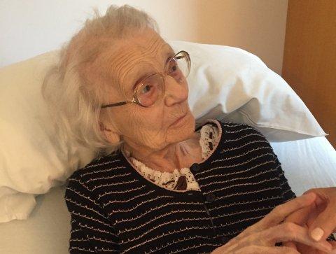 NORGES ELDSTE: Marie Antonette Andersen i Leirfjord skal være Norges eldste levende innbygger med sine 110 år. Bildet er tatt lørdag, dagen før den store dagen, og er tatt av oldebarnet Morten Myrvang.