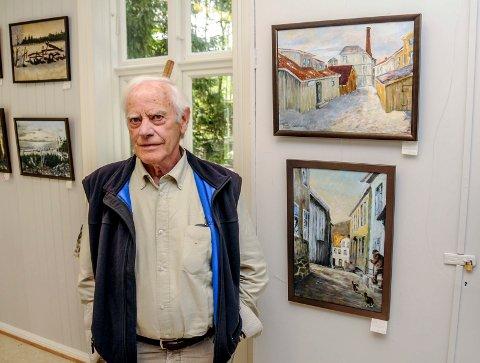 Johannes Nielsen døde søndag. Her fra sin siste utstilling på Jomfruland i 2016.