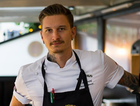 Kjøkkensjef: Tommi Bjørnsen har store ambisjoner om å gjøre Sørvågen til en plass hvor det skjer kule ting.