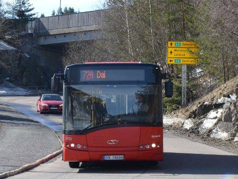 NEDLAGT: Buss 72A som kjørte til Dal ble nedlagt i våres. Arkivfoto: Nina Schyberg Olsen