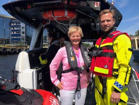 Beredskap: Generalsekretær i Redningsselskapet Rikke Lind, sammen med digitaliseringsminister Nikolai Astrup.