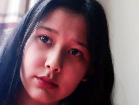 NY RETTSAK: Farida (14) og familien er i gang med sin femte rettssak for å forsøke å komme tilbake til Dokka.