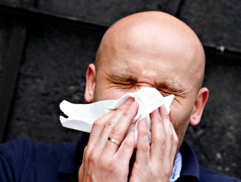 MANNEINFLUENSA: Menn klager mer når de har influensa. Og de har grunn til det.