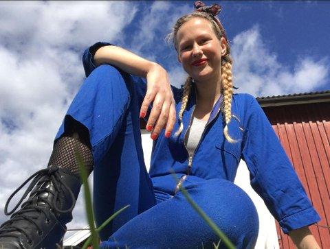 STUDIER: Marte Bergfall Vestby er student, og fikk muligheten til å vise sitt prosjekt for hele Norge.