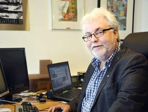 Høyres 1. kandidat for fylkestingsvalget, Kai Henriiksen,svarer Bjørnar Skjæran og Nordland Arbeiderparti. Foto: Viktor Leeds Høgseth