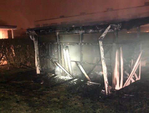 ETTER BRANNEN: Slik så søppelskuret ut etter at brannen var slukket.