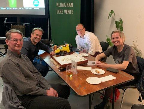 Sandnesgjengen på valgvake. Erlend Kristensen, Andreas Nordang Uhre, Karin Omland og Tor Arne Forus.