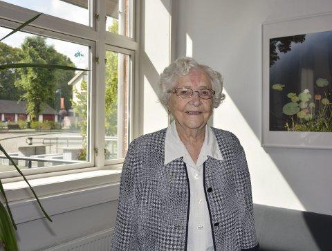 1 sprek 100-åring: Liv Sandem er imponerende sprek til å være 100 år gammel.  Foto: Aksel I. Edgar-Lund