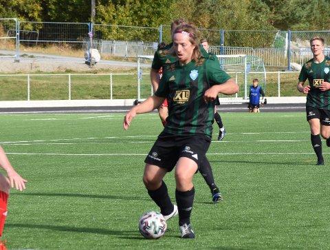 FIRE: Lars Edvard Danielsen scoret fire mål da Staal 2 vant 7–4 mot Storhaug på mandag. Bildet er fra da han spilte for A-laget på lørdag.