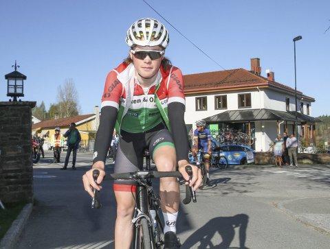 GLEDER SEG: Vegard Bredesen Rønning er spent foran norgesmesterskapet på sykkel som innledes førstkommende helg. Foto Svein Halvor Moe