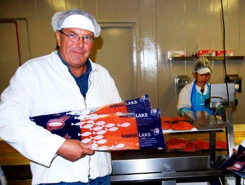 KONKURS: Geir Naustvik har slått Seaman Seafood konkurs. Bildet er fra 2013 da bedriften vant klassen kaldrøkt laks i NM i røkelaks.
