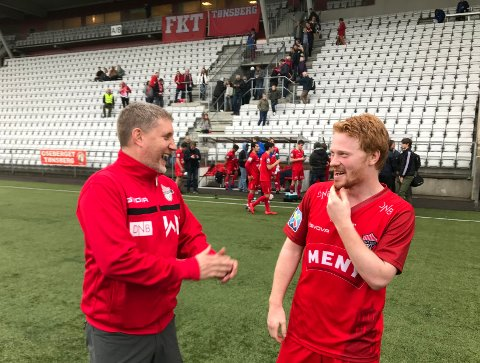 MER MORO? Alf Øivind Aslesen (til høyre) gleder seg til å møte gamle lagkamerater, og arrangementsansvarlig Bjørnar Langaas håper på mye folk og moro onsdag.