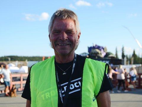Andre året: Tom Grøtberg jobber som frivillig på Trollrock for andre gang. Han stråler av positiv energi.