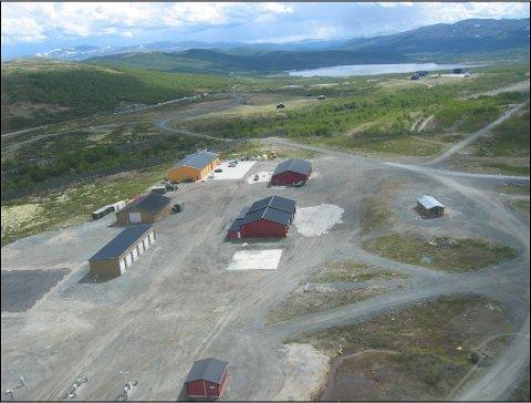 Private næringsaktører på Dovrefjell ønsker å overta Forsvarets bygg på Hjerkinn. Forsvarsbygg har planer om å sanere disse i løpet av neste år, men det kan det bli gjort om på.
