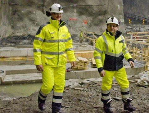 Lys i tunnelen? Samferdselsminister Ketil Solvik-Olsen under besøk av Follobanen. Han vil ikke love flere avganger fra Ås.