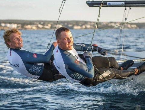NYE METODER: Tomas (til venstre) og Mads Mathisen får nå hjelp av mentaltrener Anders Wilhelmsen.