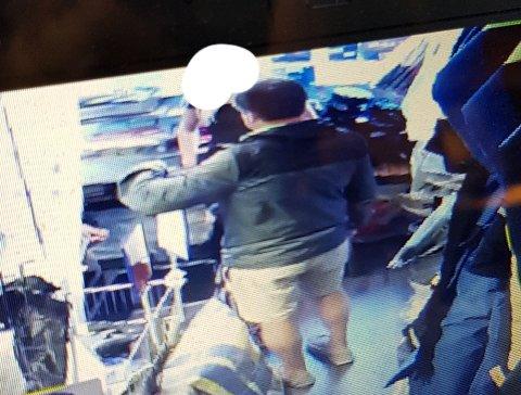 Mannen stjal blant annet et par svømmebriller til barn.