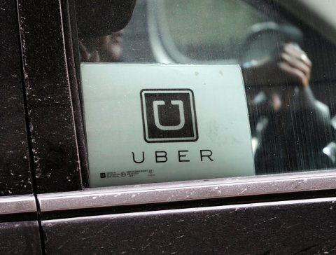 DOM: En 62-årig Uber-sjåfør i Oslo er dømt for grovt, uaktsomt skattesvik. Illustrasjonsfoto: AP/NTB