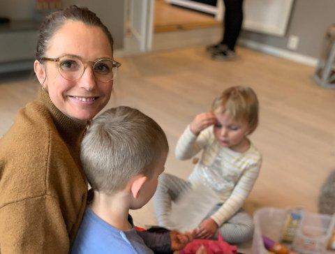 GIKK TOM FOR IDEER: Stine Flank-Lothe trengte tips til kjekke ting å gjøre sammen med barna. Nå har Facebook-gruppen hun lagde for venninnene, vokst seg til å ha over 1.000 medlemmer på mindre enn et døgn. Foto: Privat