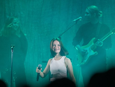 FULL SAL: Konserten med popstjernen Sigrid på Union Scene 1. november ble utsolgt etter bare noen dager. Enkelte publikummere mente at andre i salen pratet så mye underveis at det delvis ødela konserten.