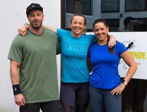 TEKNE UT TIL NM: Børje Fonn Skaar, Tina Nyhammer og Mariel Rørstadbotnen reiser til Sandnes i desember for å konkurrere i functional fitness.