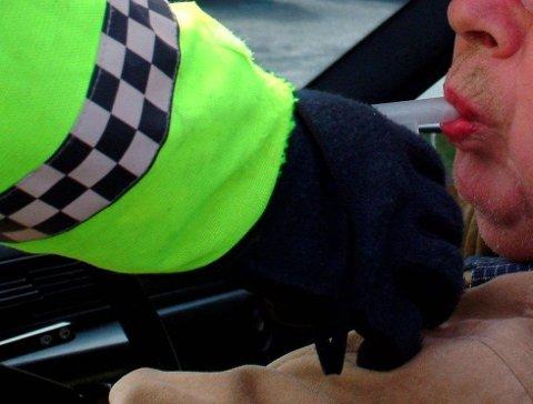 PROMILLEKONTROLL: En 47-årig mann fra Harstad må betale 47.000 kroner i bot etter å ha kjørt bil med promille på E8. Illustrasjonsfoto