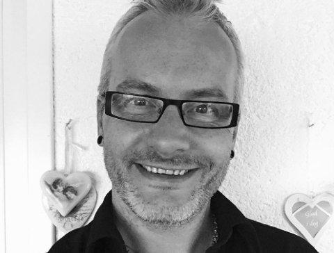 BLE FRISK: Tom-Harry Brinckmann (50) gikk på en smell og fikk delta i en studie hvor han fikk tilført friske tarmbakterier. Han mener behandlingen gav ham livet tilbake.