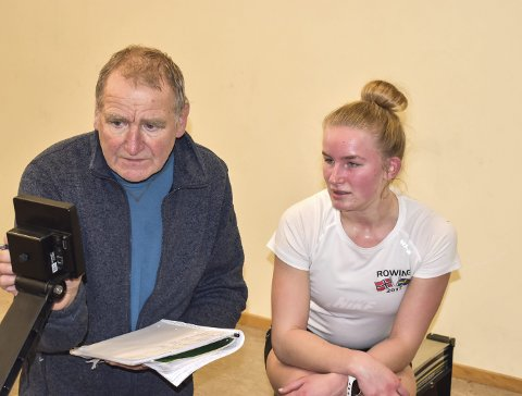 SUKSESS: Rosjef Bjørn Inge Pettersen kunne konstatere mange gode prestasjon under KM i romaskin. Mia Falch tok en av tre kretsmestertitler som gikk til Horten Roklubb.