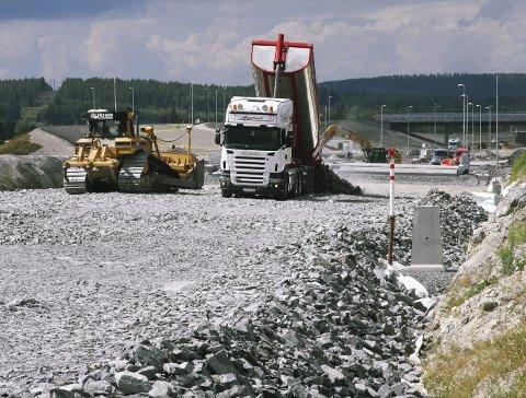 Omstridt oppdrag: Veidekke fikk bygge E16, AF Gruppen har fått rettens medhold i at det var feil.foto: Petter geisner