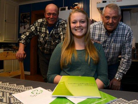 FEIL: Lise Morønning, her med pappa Hans Robert (til venstre) og Ivar Arnesen, hadde meldt flytting til Elverum da hun møtte i kommunestyremøtet i Våler 27. mai.
