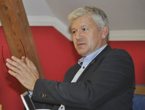Offentlig: Flertallspartiene ønsker offentlig eierskap av Kragerø Energi, sier ordfører Jone Blikra.
