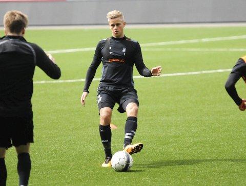 UTE IGJEN? Thomas Grøgaards kneskade skal ikke være spesielt alvorlig, men torsdagens kamp kan komme for tidlig.