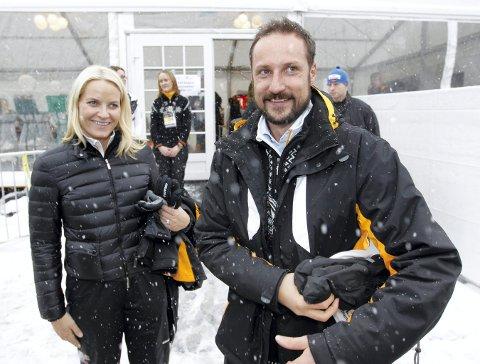 HAR ORDNET OPP I FORMALITETENE: Kronprinsparet står nå som eiere av hytta i Uvdal.