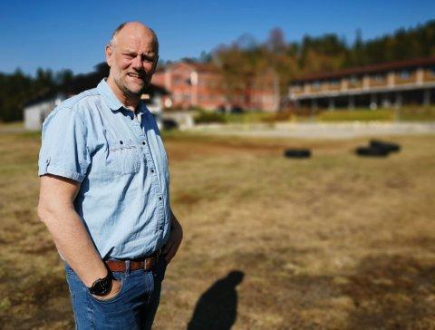 I GANG: Rektor Lars Petersen og styret i Numedal folkehøyskole er i gang med endring av regelverket. Han forteller at skolen også jobber på en annen måte når det kommer til rusbruk blant elever, enn de gjorde tidligere.