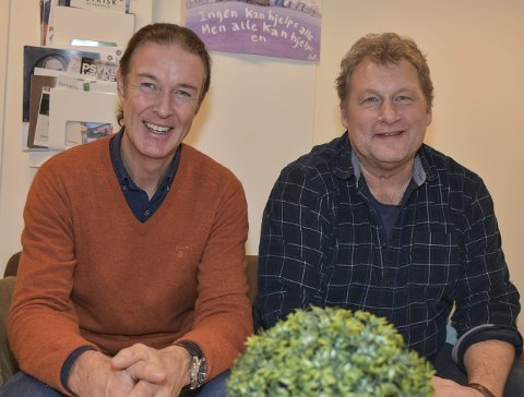 KLARE FOR EN PRAT: Bjørn Ole Helliksen (t.v.) og Torbjørn Busæt er fagkonsulenter hos N.K.S. Veiledningssenter i Øst-Norge.