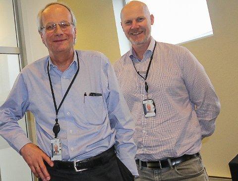 HOLDER KOKEN: Adm.dir. Geir Hellum (t.v.) og direktør Sigurd Some Jensen er godt fornøyde med situasjonen på Wärtsilä i Moss for tida. I årene framover ser man for seg ytterligere vekst.