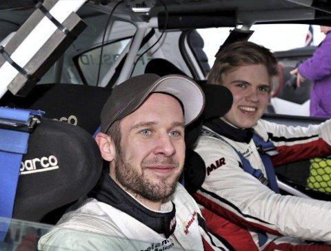 Håkon Sveen Frøslid og kartleser Marius Fuglerud på tredjeplass i sin klasse i Rally Sørland.