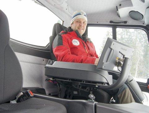 HÅPER PÅ SNØ: I fjor opplevde vi en klassisk vinter og hadde topp skiforhold fra januar til mars i Sørmarka. I år er det tyngre for løypebas Terje Martinsen, men han håper stadig på mer snø slik at han kan preppe perfekte spor i Sørmarka.