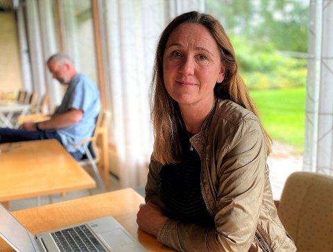 PÅ VAKT: Områdeleder Katti Anker Teisberg er ikke bekymret over arbeidet som gjøres ved skolene, men over mye smitte i samfunnet generelt.