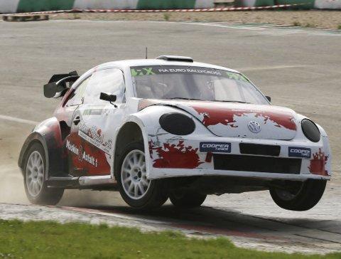 Stadig framgang: Alexander Hvaal jobber med å få mer ut av bilen sin og fikk flere svar i helgen.Foto: Johnny Loix