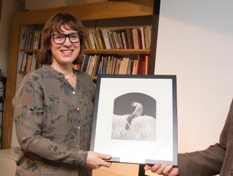 Årets Litteraturkritikerpris for beste barne- og ungdomsbok for bokåret 2016, gikk til Tyra Teodora Tronstad. (Foto: Berit Roald / NTB scanpix)