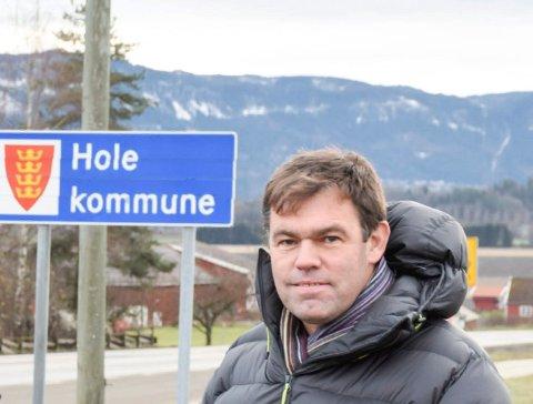 USIKKER:  Frederik Skarstein er sannelig ikke sikker på at han og Høyre får flertallet med seg mandag.