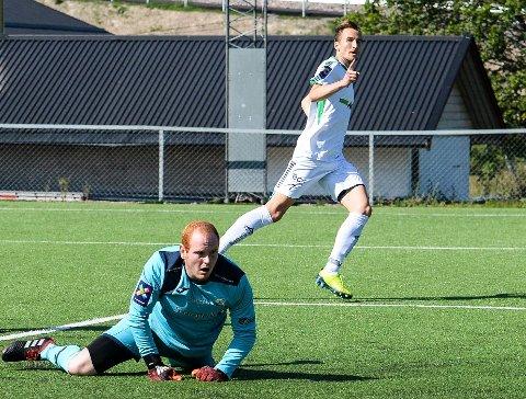 OFFENSIV: HBK-kapteinen blomstrer i den nye offensive rollen. I 5-0-seieren over Gjelleråsen scoret han 2-0-målet. Nå forteller han at han HBK går for å vinne resten av kampene i høst.