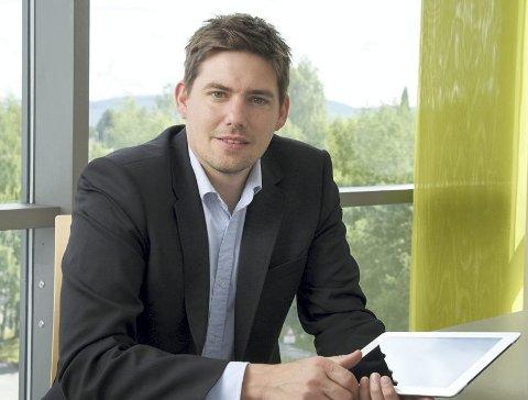 Tips og Råd: Hans Marius Tessem i Nor SIS har flere tips til hvprdan du sikrer mobilbildene dine.Foto: NorSIS