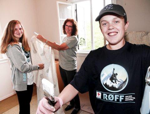 BLI MED!: Jacob Grønvold, Stine Habberstad og Turid Johannessen i Røde Kors lanserer nytt ungdomstilbud.Foto: Øyvind Mo LArsen