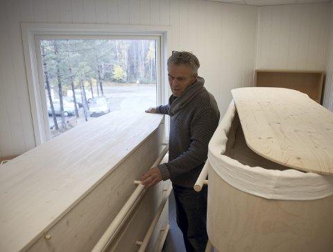 – TA DØDEN TILBAKE: Bård Løtveit mener man har mistet den nødvendige nærheten til døden ved at begravelsesbyråene gjør en så god og effektiv jobb.