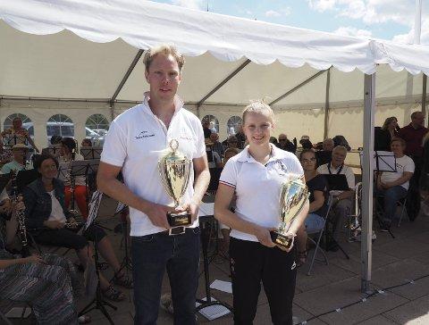 Årets idrettsutøvere: Mats Breda og Helene Eek Gerhardsen, begge Sande sportsklubb. Foto: Svein-Ivar Pedersen