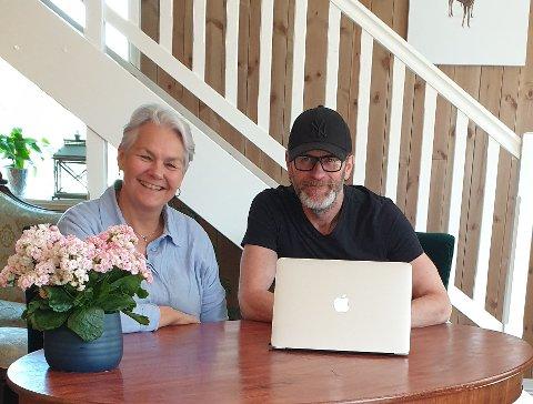 NYTT KONSEPT: Daglig leder Ingrid (Ninni) Mjelde Gran på Gran Søndre og eventarrangør Ove Geir Andheim har innledet et samarbeid som skal bety flere konserter i Østbygda framover. Først ute er Åge Sten Nilsen, kjent fra blant annet Wig Wam og Queen-hyllest.