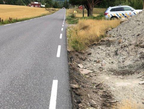 SKADET: Gravearbeidene ved fv. 306 har skadet fundamenteringen av veien.