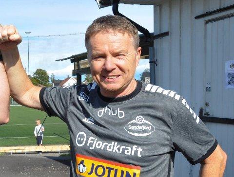 KVALIK: Einar Veierød er glad for at Sandefjord Håndball får spille om en plass i eliteserien neste sesong. Nå forbereder laget seg til kamper mot Follo.